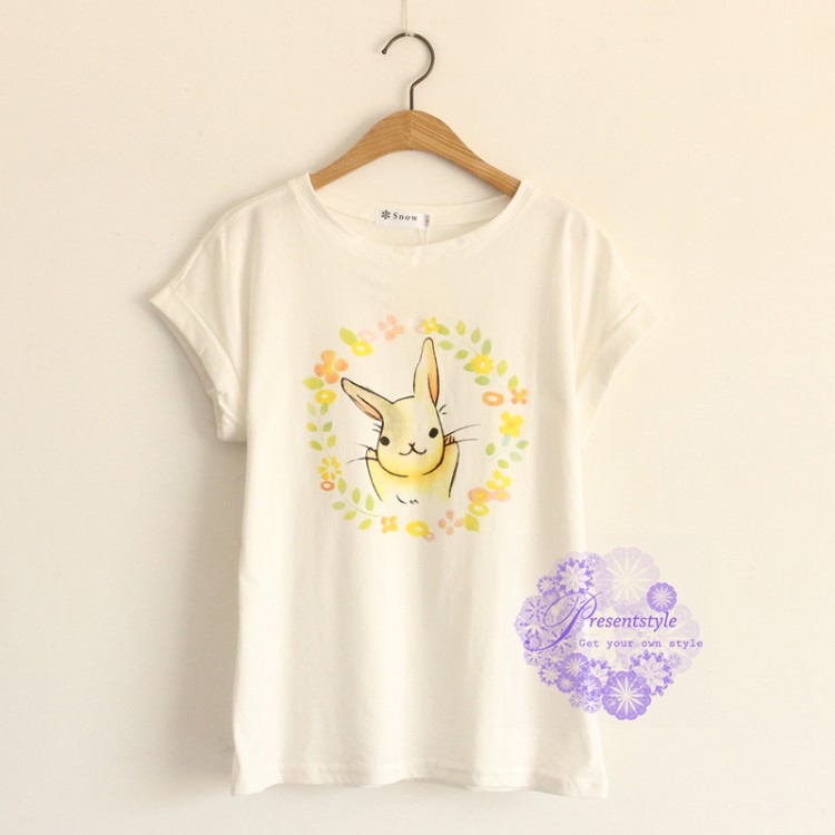 2015年日系潮流小白兔图案t恤/卫衣
